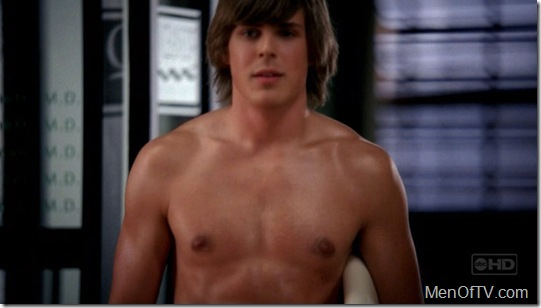 chris_lowell_shirtless