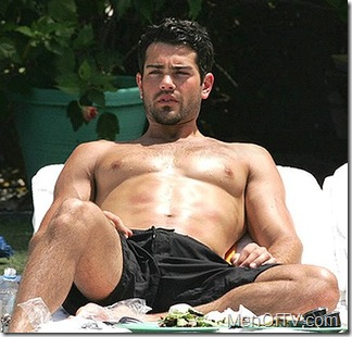 jesse-metcalfe-shirtless