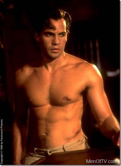 billy-zane-shirtless