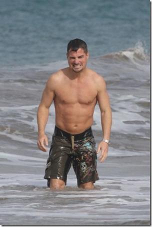 George_Eads_shirtless_04