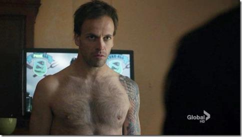 Jonny_Lee_Miller_shirtless_15