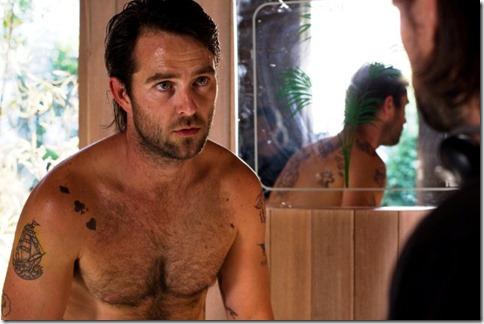 Sullivan_Stapleton_shirtless_17