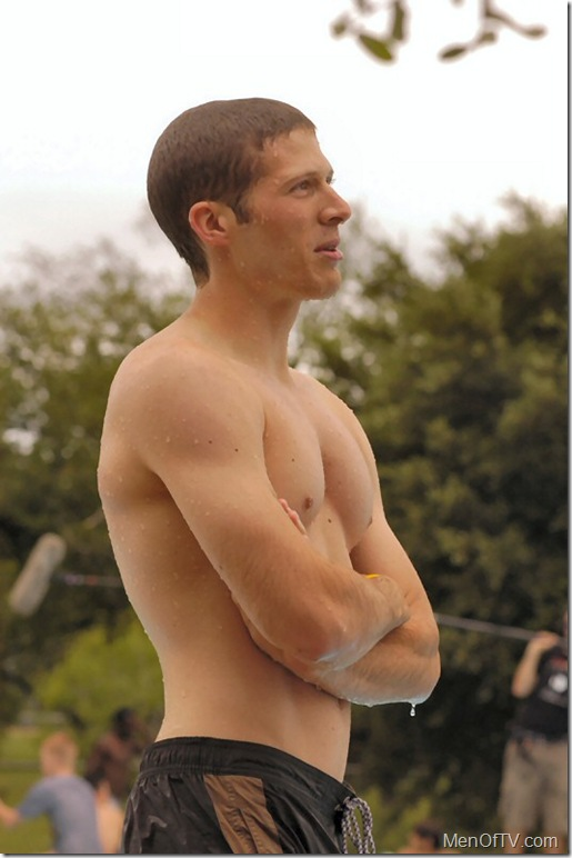 zach_gilford_shirtless