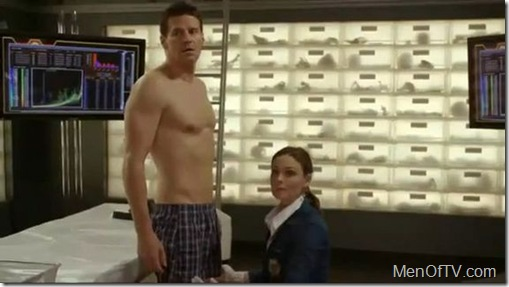 david-boreanaz-shirtless-boxers