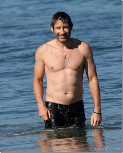 Austin_Nichols_GIF_01c_thumb.jpg - MenofTV.com - Shirtless