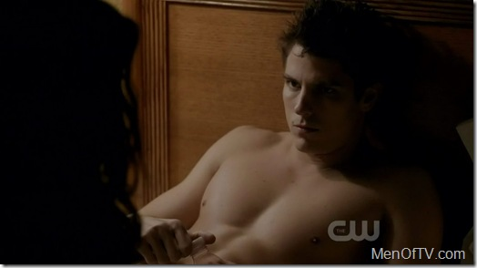 sean-faris-shirtless-vampire-diaries