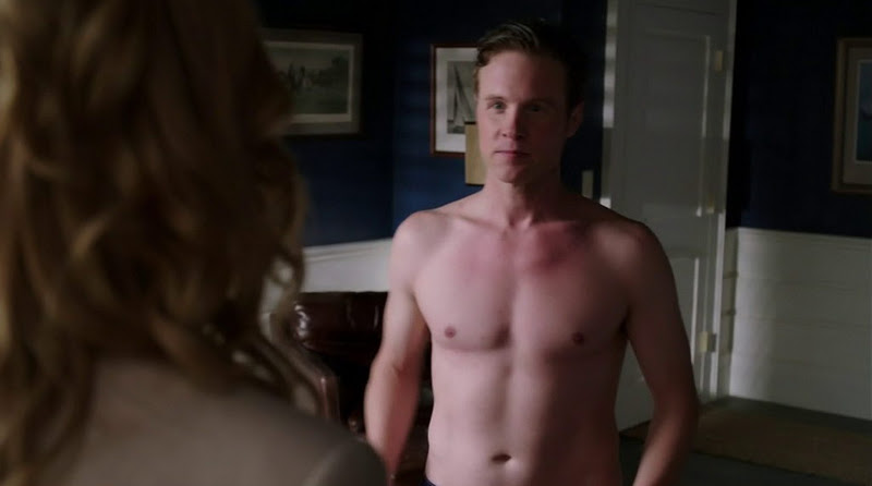 Ashton Holmes Shirtless on Revenge | Men of TV - Shirtless TV Stars