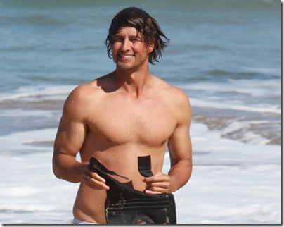 Adam_Scott_shirtless_02