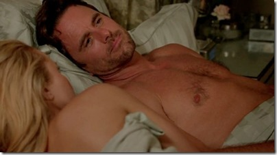Charles_Esten_shirtless_GIF_02a
