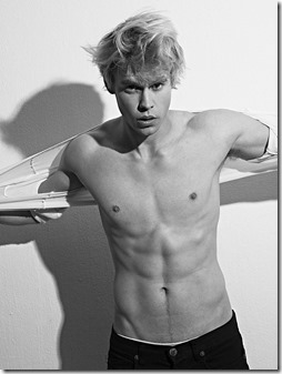 Chord_Overstreet_shirtless_36