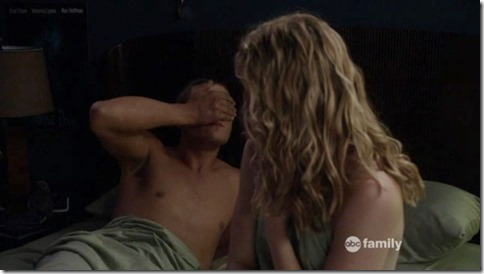 Chris_Zylka_shirtless_GIF_08c