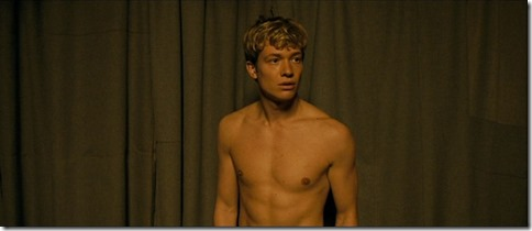 Ed_Speleers_shirtless_36